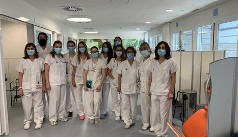 L'equip de professionals que integren el servei de l'hospital de dia oncohematològic.