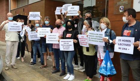 La protesta ahir del personal d'educació especial.