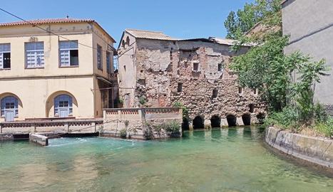 Actual estat del molí fariner d'Alfarràs, que l'ajuntament recuperarà com a alberg.