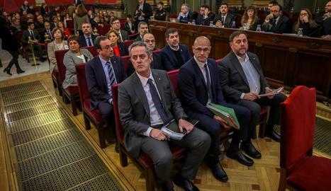 Els líders independentistes, al banc dels acusats en l'inici del judici al Suprem, el febrer del 2019.
