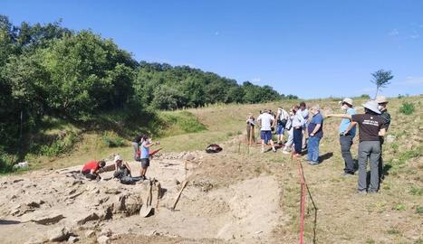 Descobreixen restes humanes al jaciment romà de Llorís