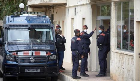 Els Mossos i la Policia Nacional detenen quatre homes i desarticulen un grup especialitzat en robar caixes fortes