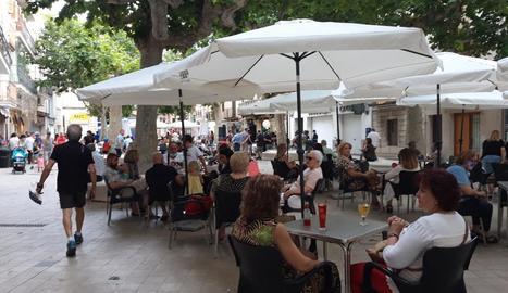 La plaça Major de Mollerussa va acollir un concert de Bad Rules.