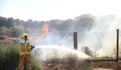 El foc es va originar en una columna de pèl·lets.
