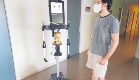 El robot creado por la UdL que mide el nivel de CO2 de los edificios y está listo para trabajar con 5G