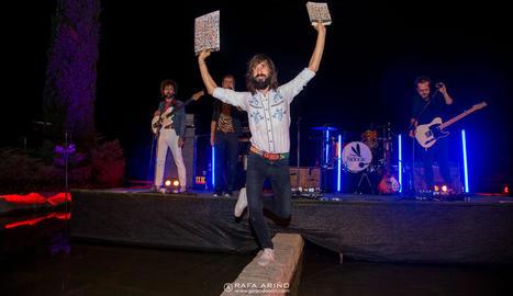 Un moment del concert dels Sidonie, divendres passat a Juneda.