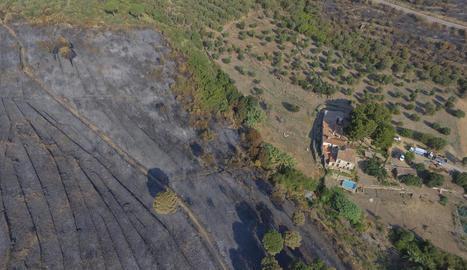 Pla aeri de com ha quedat la zona afectada pel foc.