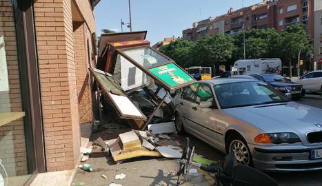 L'accident va ocórrer a la intersecció entre els carrers Baró de Maials i Rosa Parks.