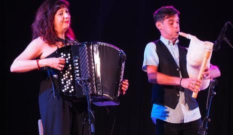 Pilar Planavila i Ivan Caro, en el concert de la nit de dissabte.