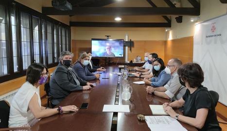 Imatge de la reunió entre les dos administracions.