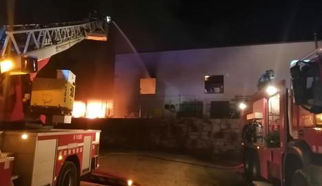 Un incendi ha cremat la nau de Rifacli a Montblanc