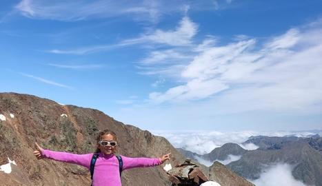 Alba i Keren al cim del Cap de la Coma de Riufred.