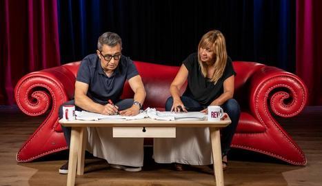 La presentadora Xantal Llavina conversa amb Andreu Buenafuente.