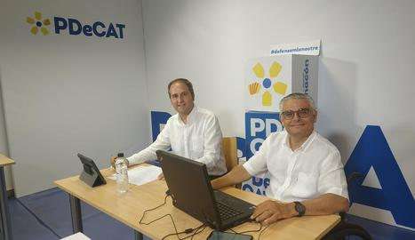 Manel Solé i Jordi Latorre van participar en l'assemblea telemàtica des de la seu del partit a Lleida.