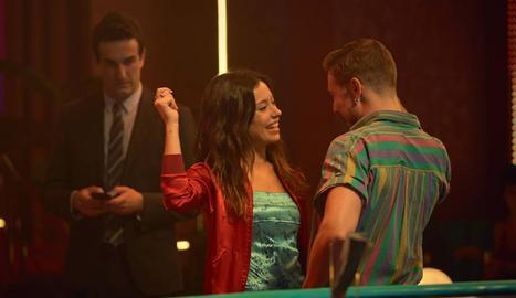 Els actors Anna Castillo i Carlos Cuevas, a 'Donde caben dos'.