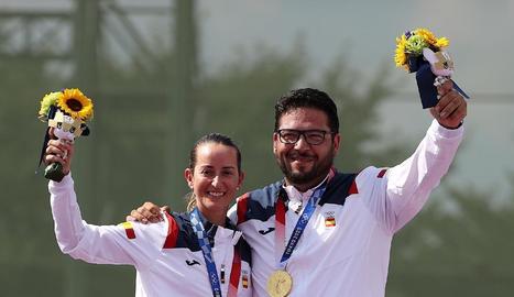 Fátima Gálvez i Alberto Fernández, al podi amb el primer or per a la delegació espanyola.