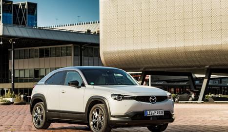 Facilita l'adquisició del Mazda MX-30, el primer model 100% elèctric de la marca.