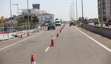 Tallen dos carrils de l'Ll-11 per adequar el nou accés a Copa d'Or