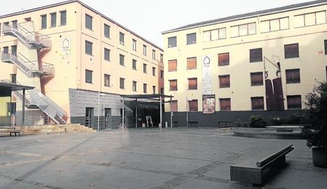 Centre Cultural Les Monges, seu provisional del grau.