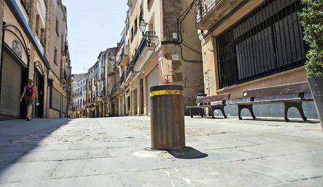 La pilona que està instal·lada al carrer Major de Cervera.