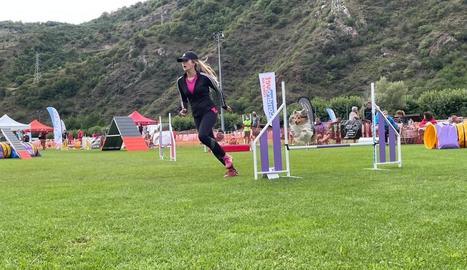La competició va arrancar ahir al camp municipal de futbol de Rialp, dividit en quatre pistes.