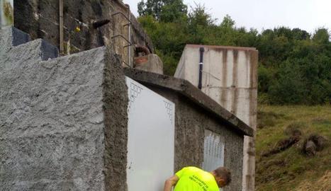 Imatge dels treballs al dipòsit d'aigua de Vilac.