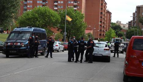 Desplegament policial el 10 de maig passat després del segon tiroteig a la Mariola.