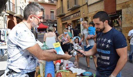 L'inici de la campanya es va sumar al dia de botigues al carrer.