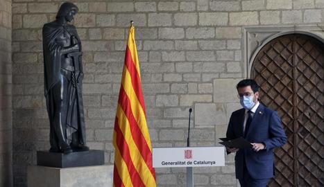El president del Govern, Pere Aragonès, ahir durant la compareixença des de la Galeria Gòtica del Palau de la Generalitat.