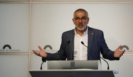 El líder de Cs al Parlament, Carlos Carrizosa durant una roda de premsa.