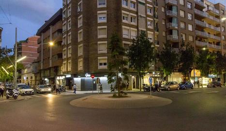 Vista de l'encreuament dels carrers Bisbe Ruano i Torres de Sanui.
