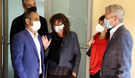 Un moment de la visita a l'Escola Agrària de Tàrrega que han fet els consellers d'Educació, Josep Gonzàlez - Cambray, i la consellera d'Acció Climàtica, Teresa Jordà.