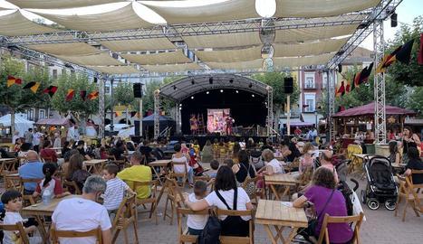 La plaça Mercadal acull el mercat medieval del certamen.