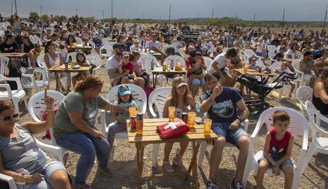 El càmping municipal de Tàrrega va acollir ahir al migdia el recuperat festival familiar Lo Closcamoll, amb un concert de Reggae per Xics.