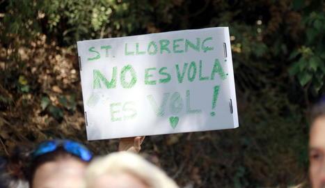 Més de 150 persones es concentren a Sant Llorenç de Montgai per exigir l'aturada de les obres a la Paret de l'Os
