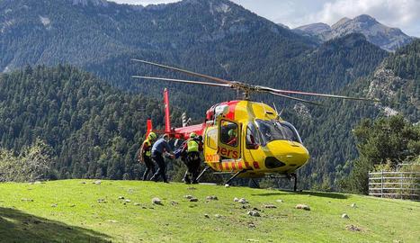 Efectius de Bombers i el SEM van rescatar ahir el boletaire.