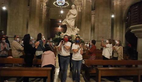 La imatge de la Immaculada Concepció procedent d'Efes, ahir a l'arribada a la catedral de Lleida.