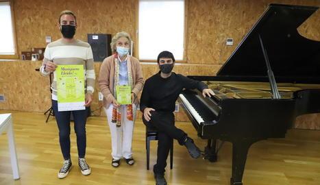 Ignasi Amor, Carme Valls i el pianista lleidatà Bernat Giribet.