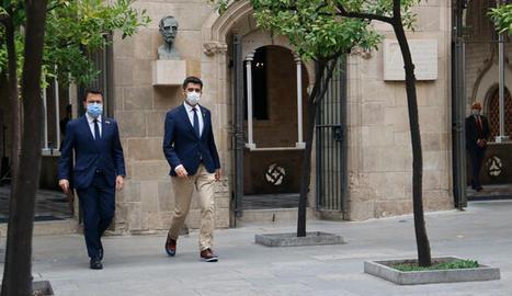 El president Pere Aragonès i el vicepresident Jordi Puigneró a Palau.