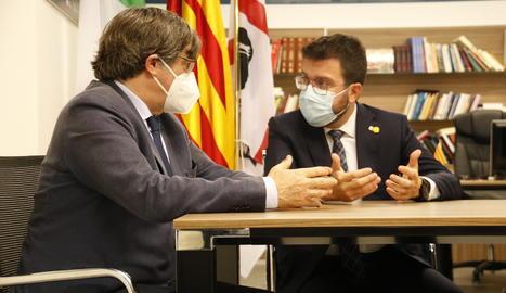 Aragonés dona suport a Puigdemont a l'Alguer i exigeix la retirada de les ordres de detenció