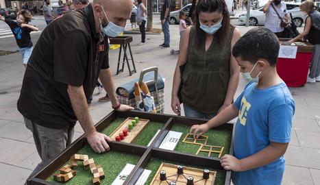 Els jocs de fusta s'han instal·lat a la plaça de Cappont