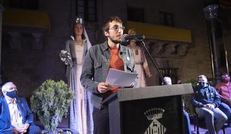 El cineasta Jordi Boquet va pronunciar el pregó a la plaça Major.