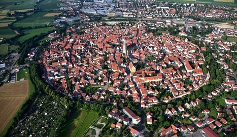 Nördlingen, a Baviera.