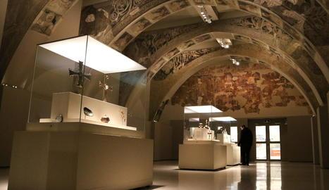 La sala del MNAC on s'exhibeixen les pintures murals del Monestir de Sixena.