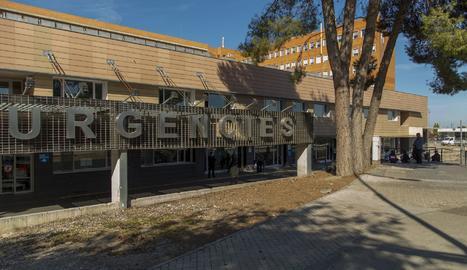 L'entrada a Urgències de l'hospital Arnau de Vilanova de Lleida.