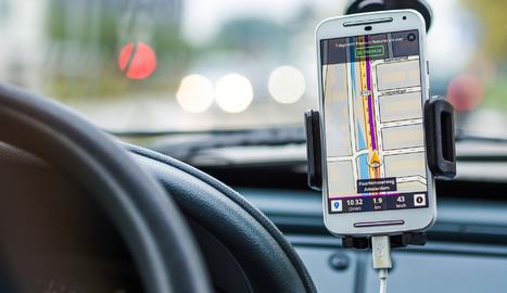 Utilitzar el mòbil antic com GPS és una de les opcions que pots provar abans de tirar-lo.