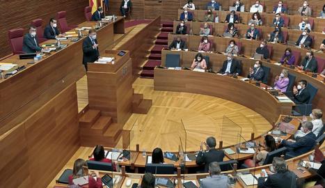 Ximo Puig, ahir durant el debat de l'estat a València.