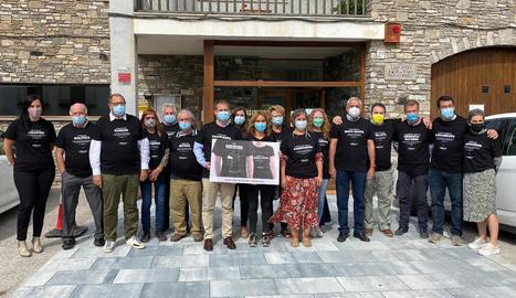 El consell comarcal va presentar ahir el projecte als alcaldes de l'Alt Urgell, amb samarretes incloses.