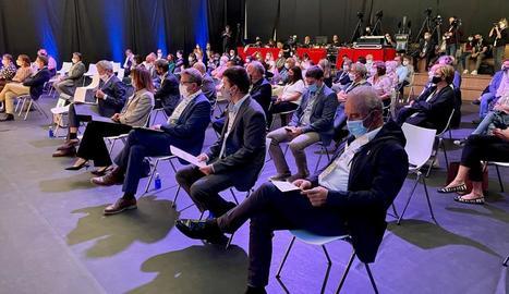 Les autoritats, en la sessió inaugural de les Jornades per a l'Excel·lència d'Esterri d'Àneu.