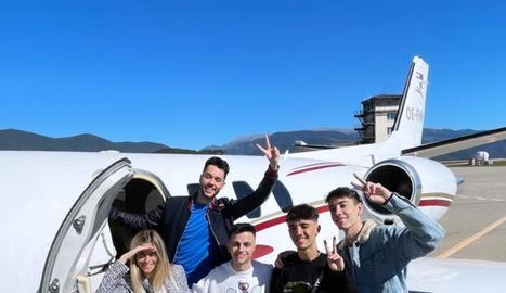 Els youtubers a l'avió que van agafar a la Seu.